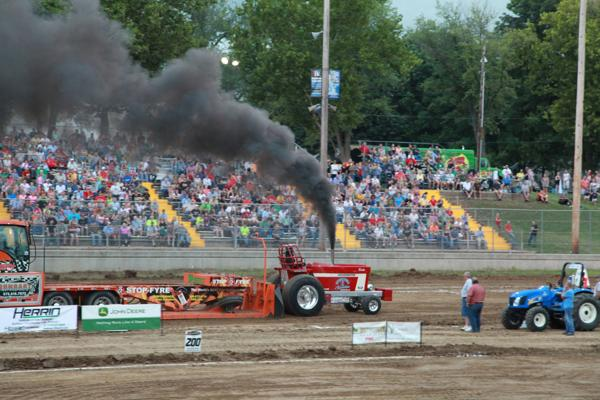 007 Tractor Pull at the Fair 2014.jpg