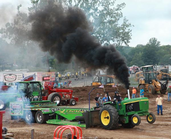 008 Tractor Pull at the Fair 2014.jpg