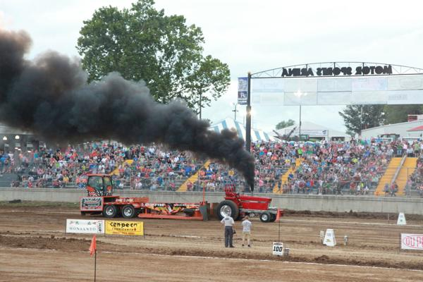 016 Tractor Pull at the Fair 2014.jpg