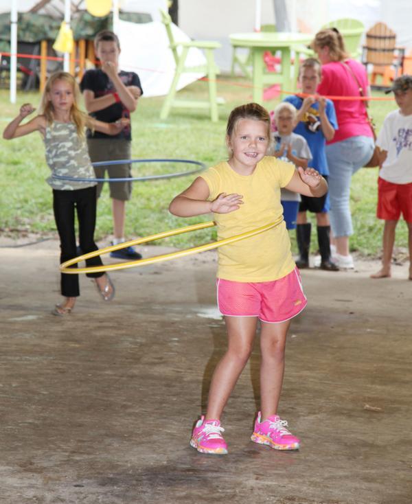 018 Fair Hula Hoop Contest 2014.jpg