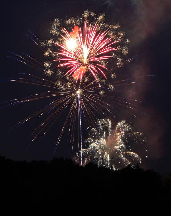 003 Washington MO Fireworks.jpg