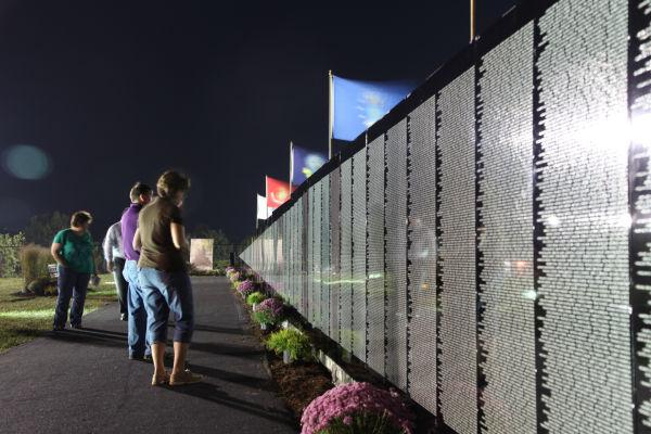 047 Moving Wall Thursday Evening in Wahington.jpg