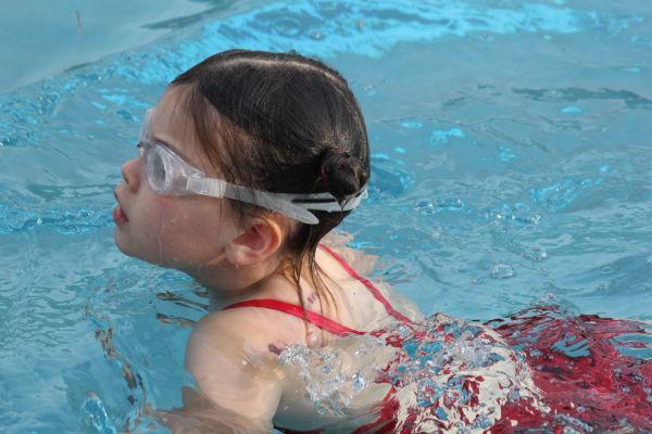 007washbcswim13.jpg