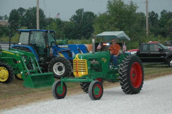 004 Tractors in St Clair.jpg