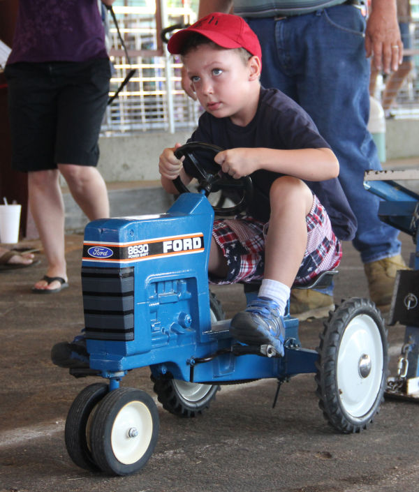 009 Pedal Tractor Pull 2013.jpg