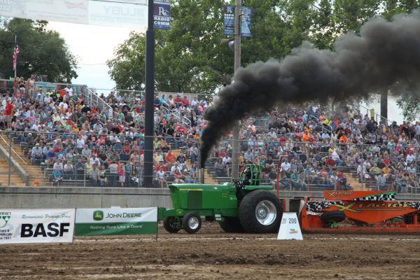 011 Tractor Pull Fair 2013.jpg