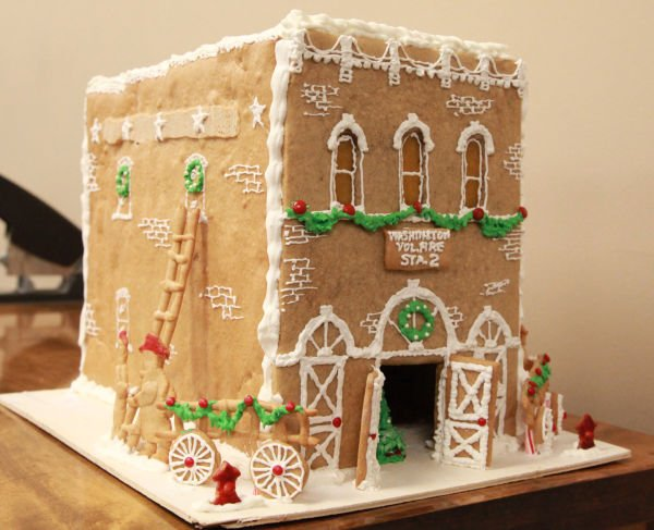 028 Gingerbread Houses 2013.jpg