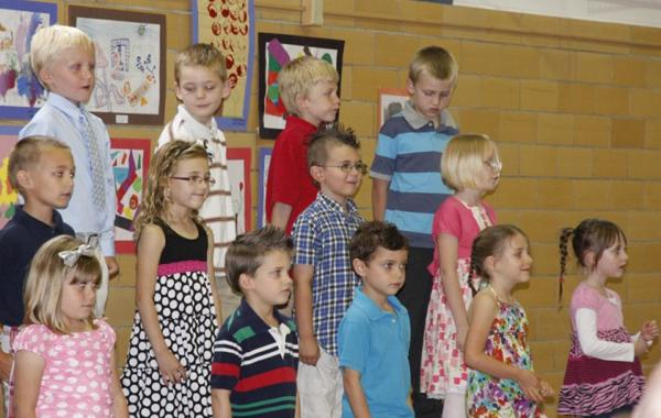 004 Fifth Street School Kindergarten Program.jpg