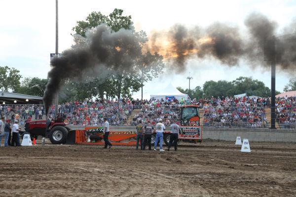 019 Tractor Pull Fair 2013.jpg