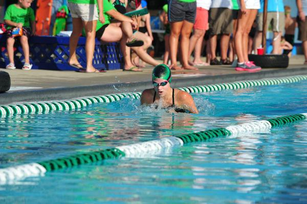 065UniIHSwim14.jpg
