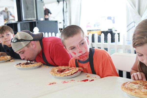 016 Pie eating Contest at fair 2014.jpg