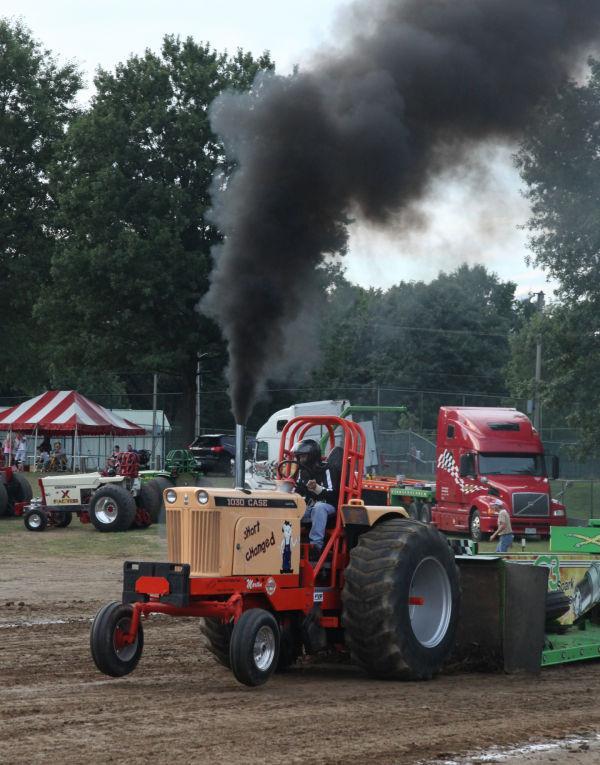 001 Tractor Pull Fair 2013.jpg