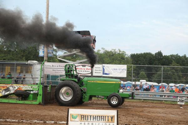 033 Tractor Pull Fair 2013.jpg