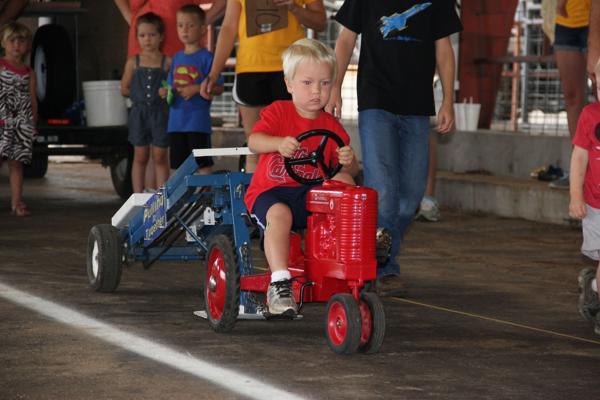 007 Pedal Tractor Pull 2014.jpg