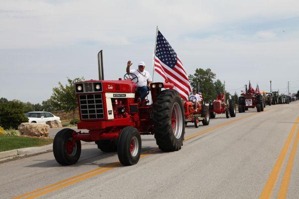 001 Tractor Cruise 2013 Washington.jpg