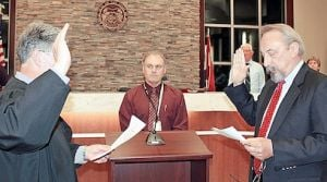 New Pacific Mayor Takes Oath