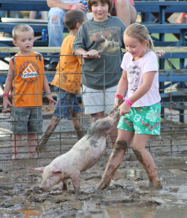 002 Franklin County Fair Pig Scramble.jpg