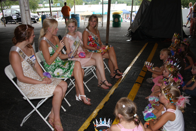 048 Fair Tea With Queens.jpg