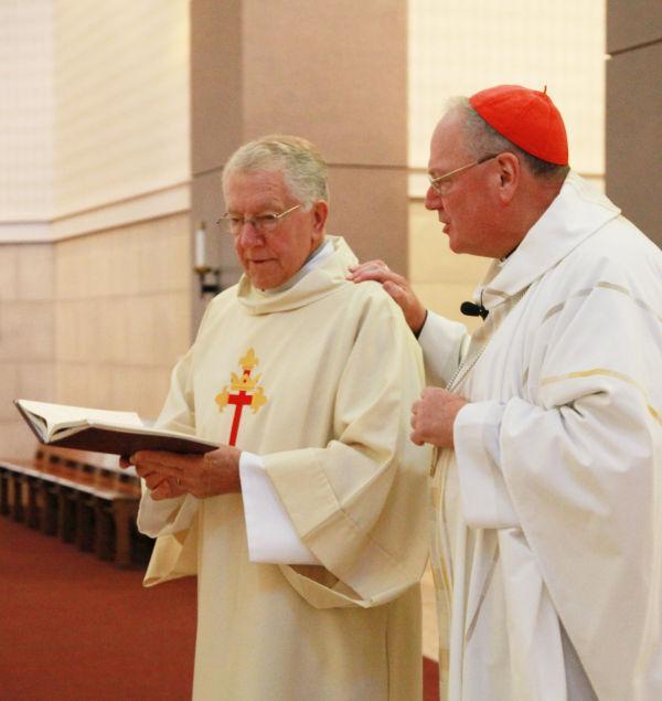 002 Cardinal Dolan Thanksgiving mass at OLL.jpg