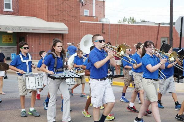 019 SFBRHS Homecoming Parade.jpg