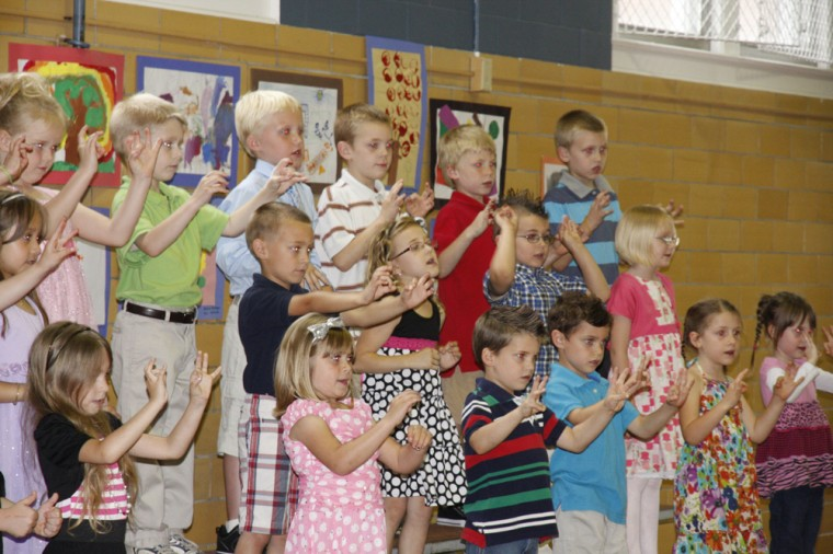010 Fifth Street School Kindergarten Program.jpg