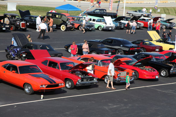 002 Modern Auto Cruise Night 2013.jpg