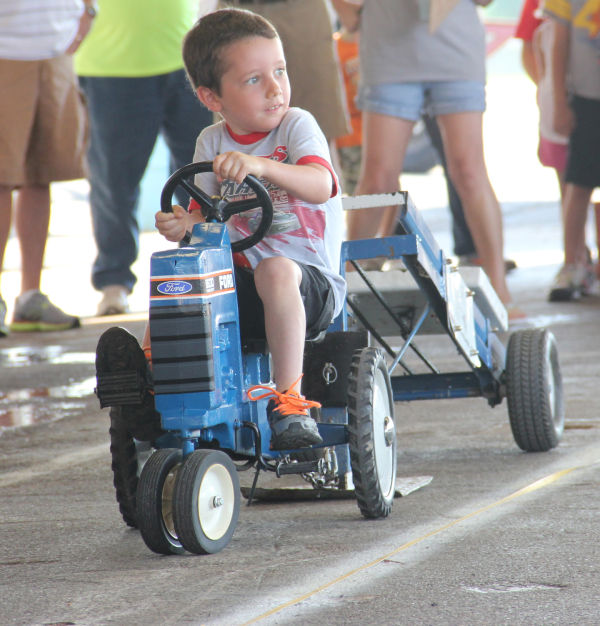 008 Pedal Tractor Pull 2013.jpg