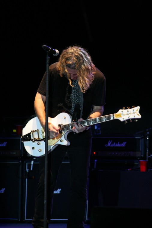 023Collective Soul Play TnC Fair 2011.jpg