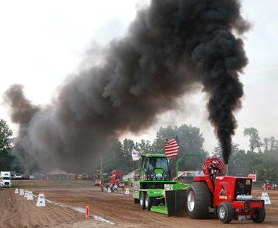 038 Fair Tractor Pull.jpg