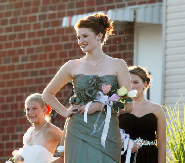 002 New Haven Youth Fair Queen Contest 2013.jpg