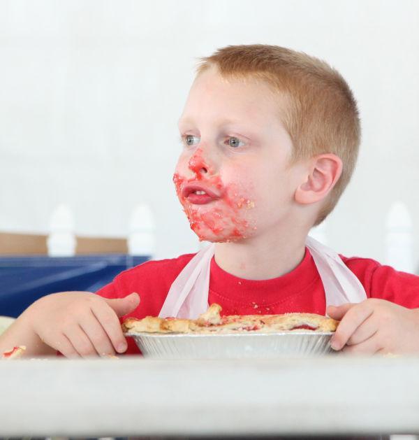 038 Pie Eating Contest 2013.jpg