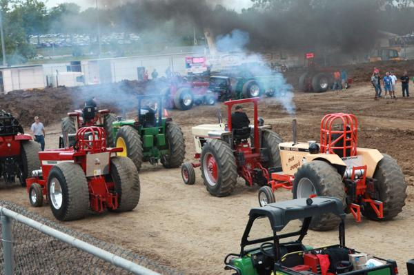 012 Tractor Pull at the Fair 2014.jpg