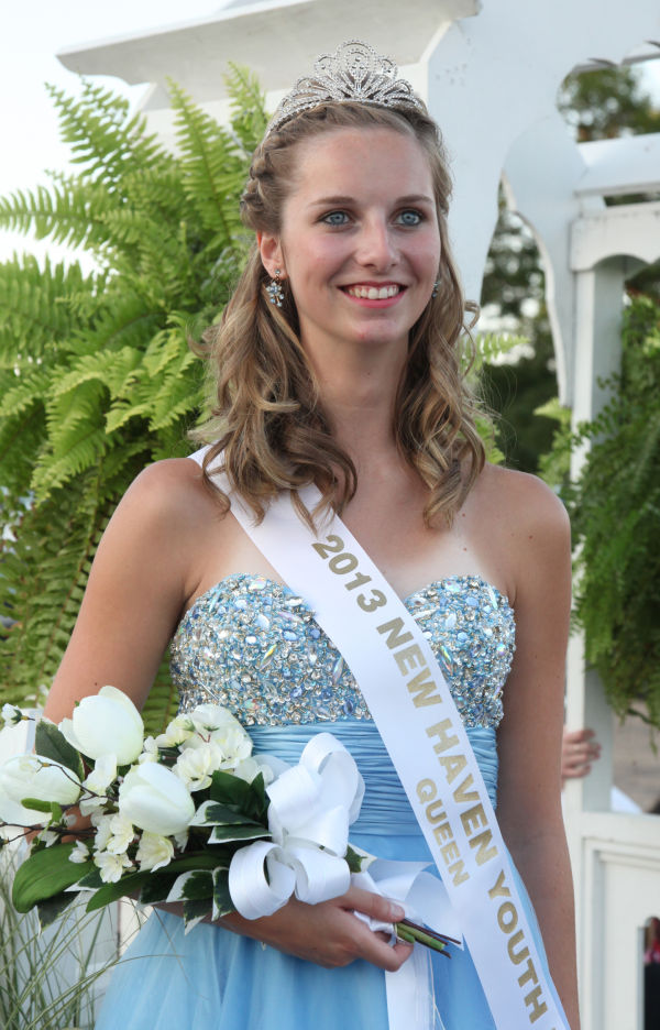 038 New Haven Youth Fair Queen Contest 2013.jpg