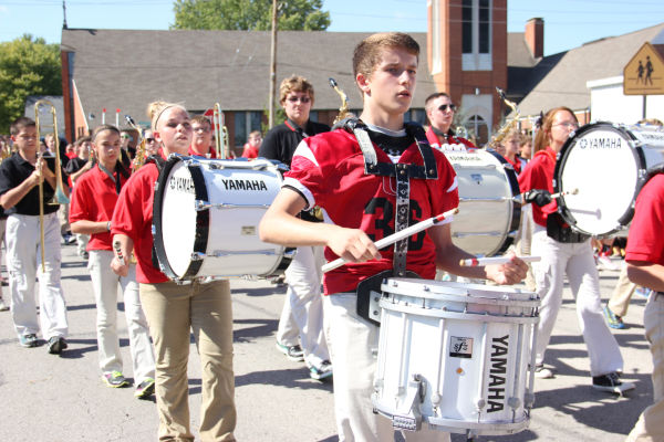 024 UHS Homecoming parade 2013.jpg