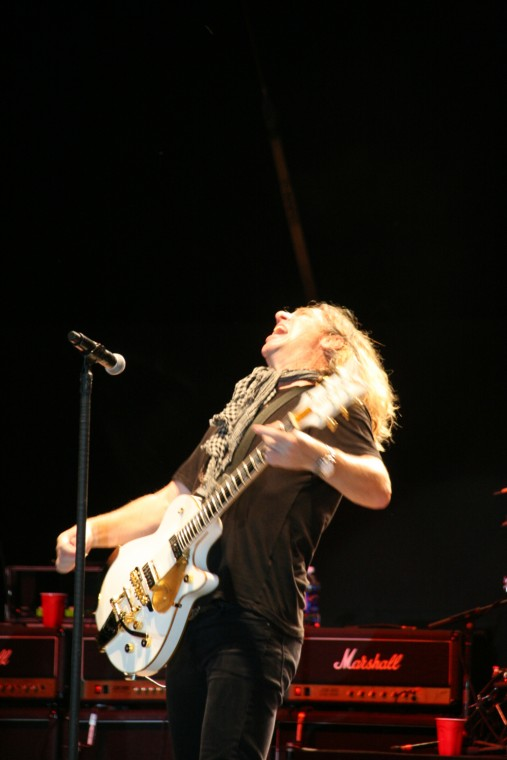 030Collective Soul Play TnC Fair 2011.jpg