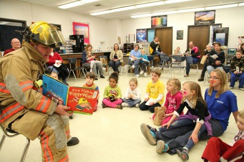 009 Family Reading Night 2012.jpg
