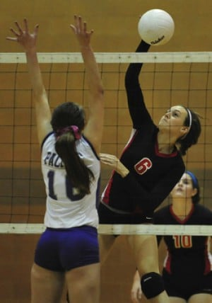 Pacific Comes Back To Edge Union in FRC Volleyball
