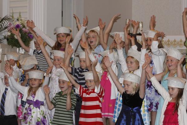 014 St. Gert Kindergarten Grad.jpg