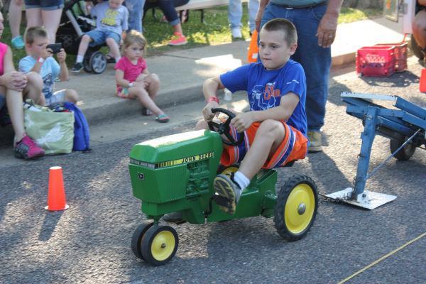 016 Franklin County Fair Pedal Tractor Pull.jpg