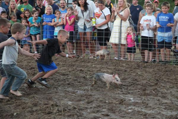 012 New Haven Youth Fair Pig Chase 2013.jpg