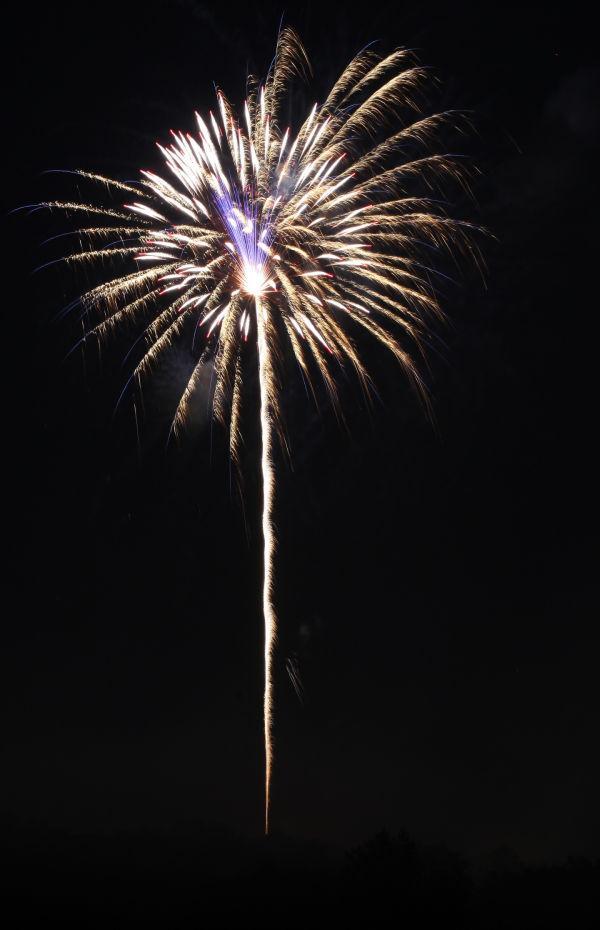 023 Washington MO Fireworks.jpg