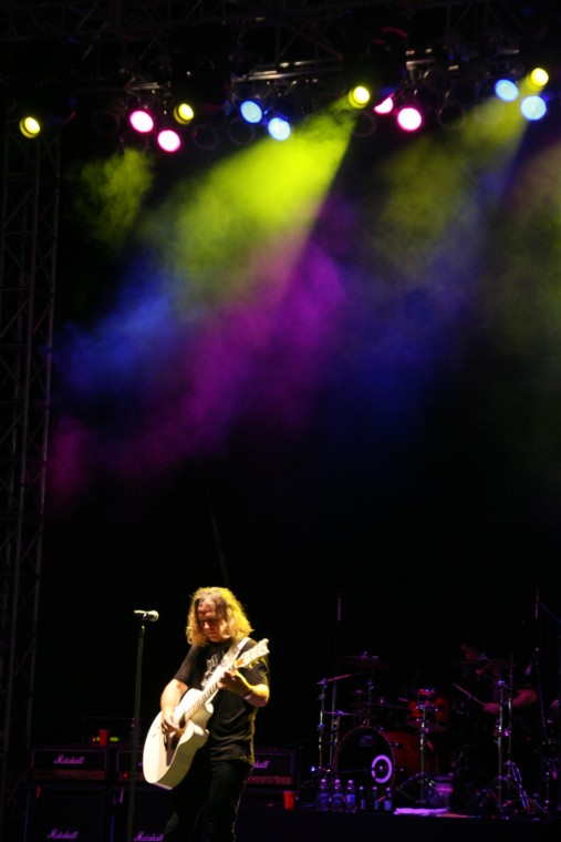 035Collective Soul Play TnC Fair 2011.jpg