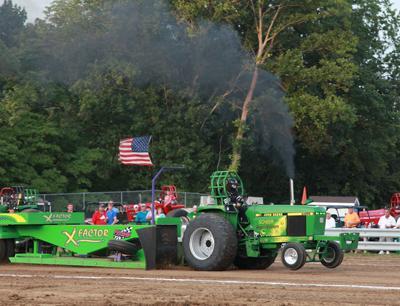 025 Fair Tractor Pull.jpg