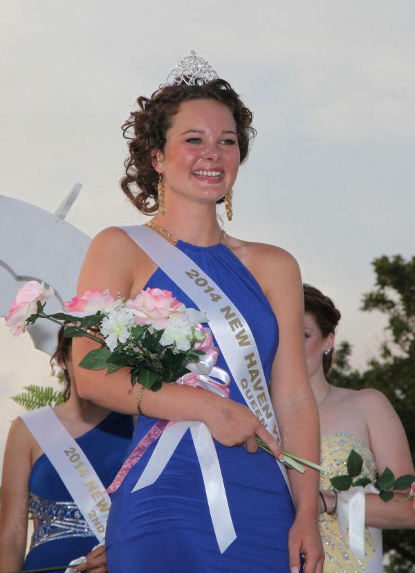 029 New Haven Fair Queen Contest 2014.jpg