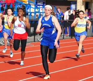Washington Hosts Track Quad Tuesday, Wins Both Divisions