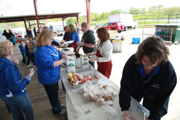 006 WINGS Picnic 2014.jpg