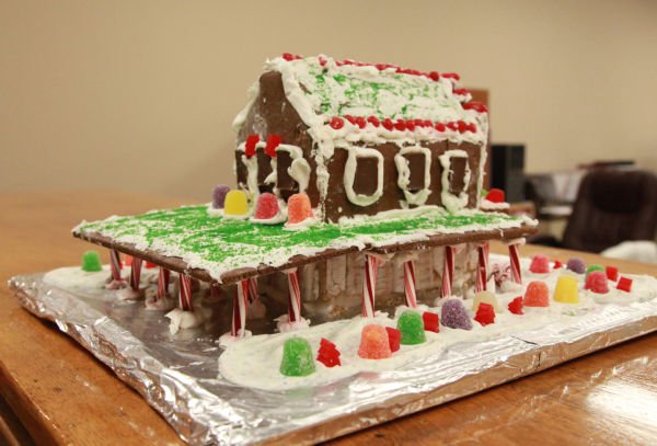 006 Gingerbread Houses 2013.jpg