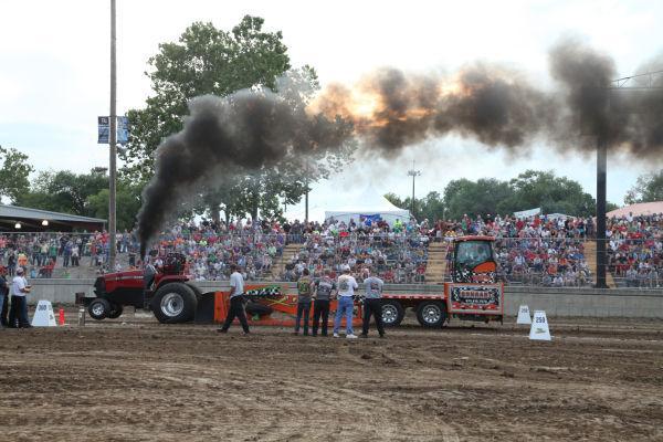 018 Tractor Pull Fair 2013.jpg