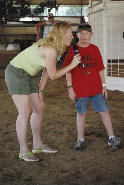 Milking Contest TC Fair 002.jpg