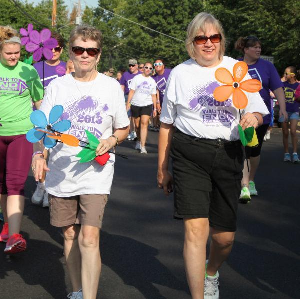 027 Alzheimer Walk 2013.jpg